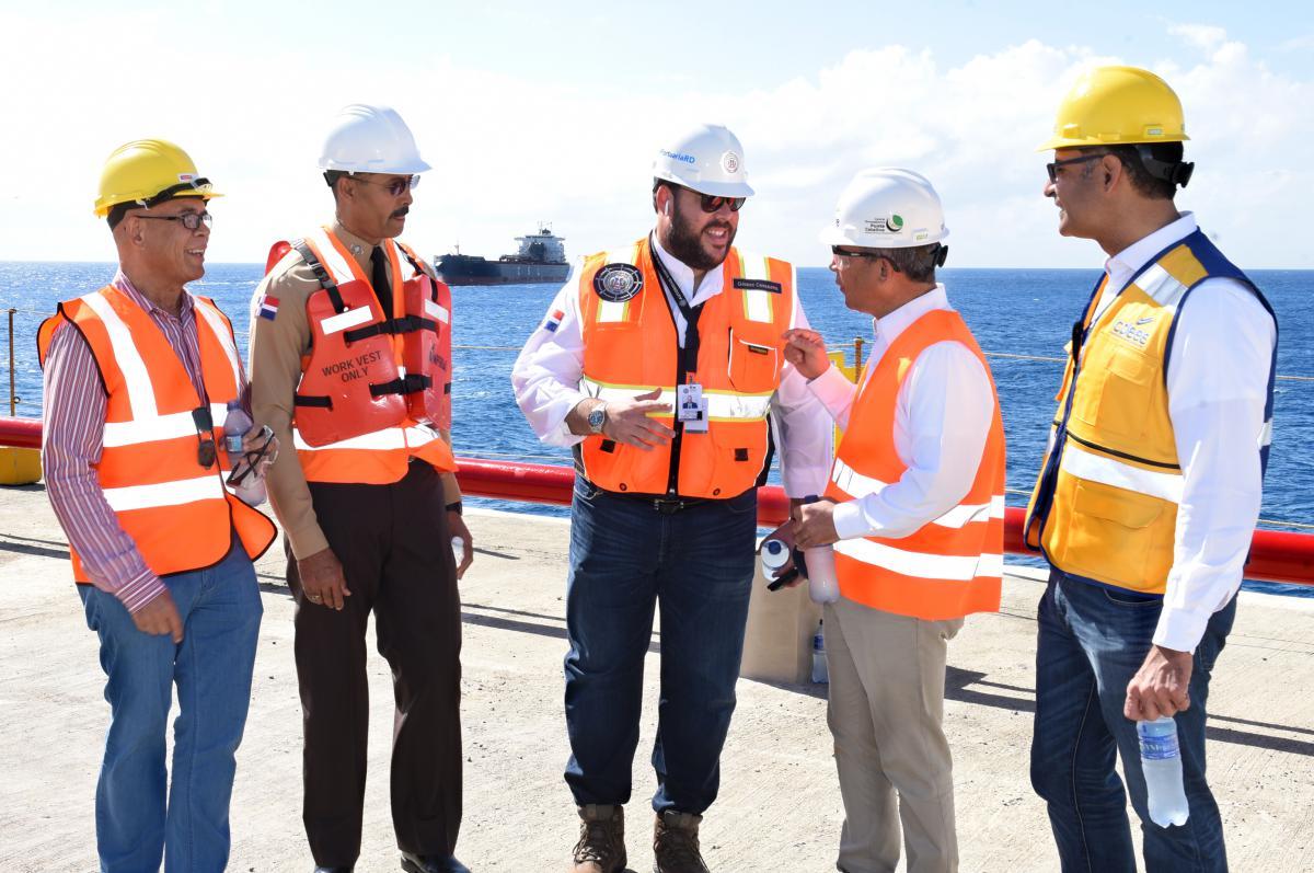 Primer embarque-de carbón mineral para Punta Catalina